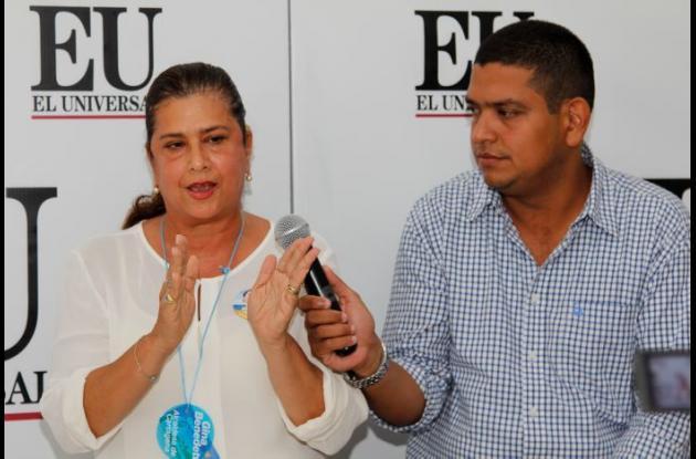 Entrevista en la Twitcam de El Universal a Gina Benedetti