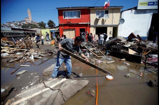 Doce personas muertas es el balance de muertos en Chile tras los desastres naturales.