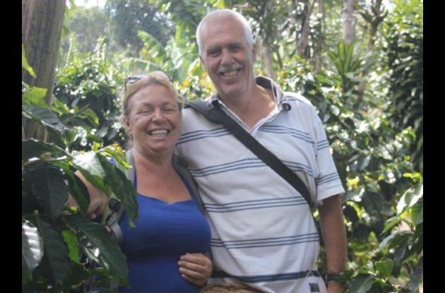 Durdana Brujin, asesinada en las Islas del Rosario, y su esposo Peter Putker.