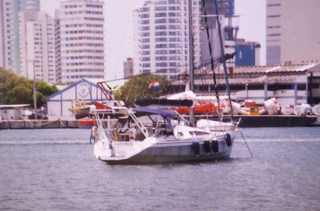 Después de lo ocurrido, la embarcación en la que estaban los extranjeros fue traslada por las autoridades hasta la Bahía de Cartagena frente al Club de Pesca.