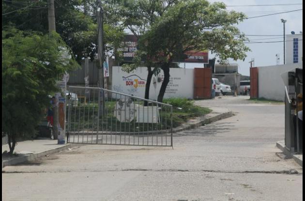 Rubén Dávila fue baleado en la entrada de la urbanización Santa Clara. Murió después en una clínica.