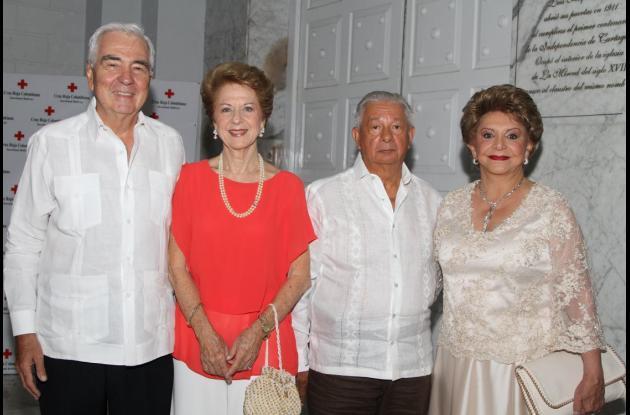 Jaime Trucco, Clarita de Trucco, Luis Álvarez y Judith de Álvarez.