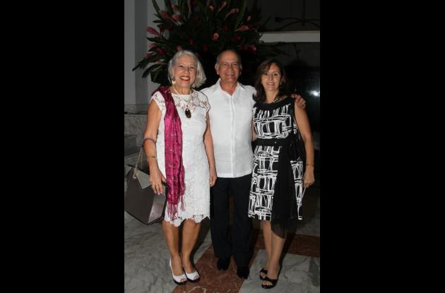 Manuela Berrocal, Gilberto Caballero y Marta Bravo.