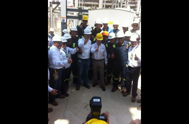 El presidente Juan Manuel Santos abrió hoy la unidad de crudo de la Refinería de Cartagena.