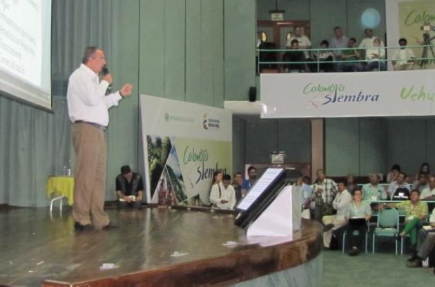 El ministro de Agricultura, Aurelio Iragorri, durante la presentación de Colombia Siembra, en el Hotel Irotama, en Santa Marta.