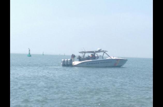 Ayer, luego de más de doce horas desaparecido, Guardacostas hallaron flotando el cadáver de Klisman Ruiz.