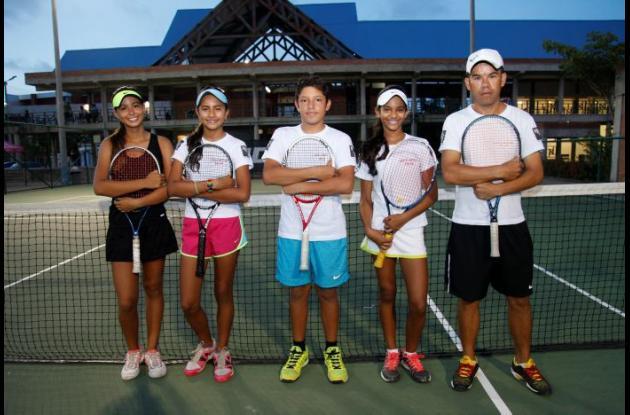 Los tenistas viajaron en compañía del entrenador Jorge Muñoz.