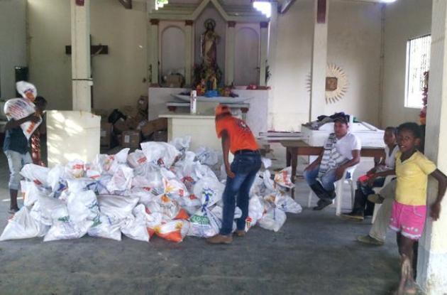 Entrega de ayudas a damnificados en Montecristo, Bolívar