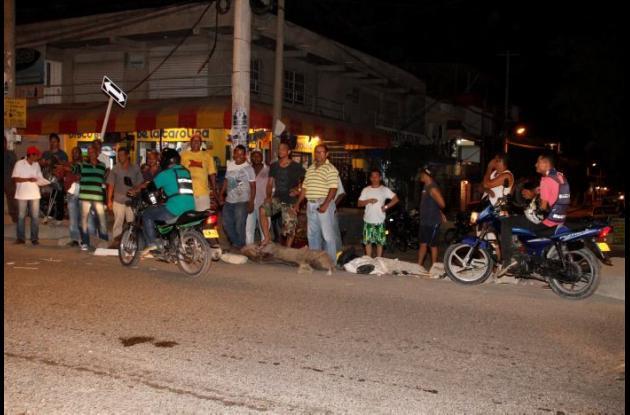 Ayer los residentes de Villa Estrella manifestaron por esta situación que les preocupa, ya que las busetas pasan por un colegio.