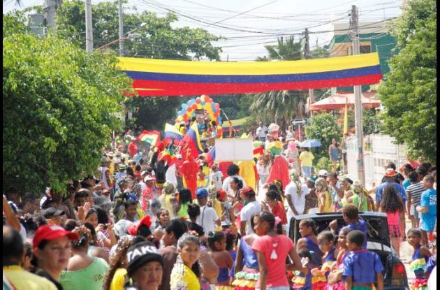 Cabildo de las Fiestas en la calle 11 de Noviembre.
