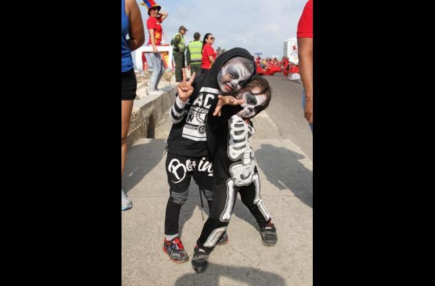 Niños disfrazadosfiestas de la independencia cartagena 2015