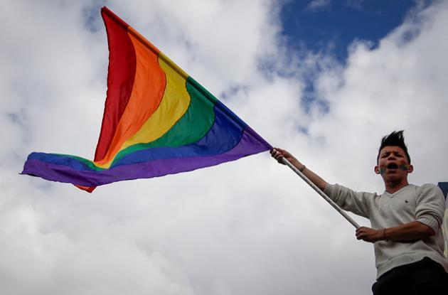 La adopción plena a parejas del mismo sexo, dio paso a las opiniones de distintas fundaciones y analistas quienes aseguraron que los derechos deben llevar a que la sociedad sea más equitativa.