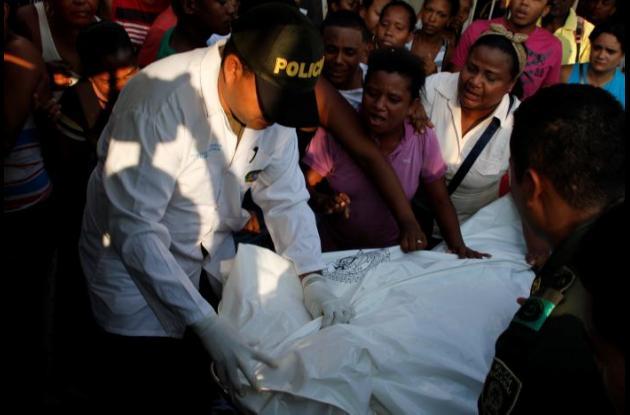 Tras ser baleado en La María, a Harold Uribe lo llevaron al CAP de La Esperanza, donde llegó muerto. Con la llegada de familiares se vivieron escenas de dolor. El crimen sería ajuste de cuentas.