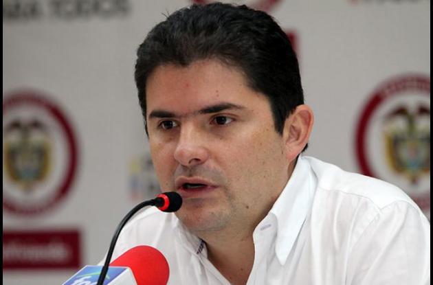 Luis Pelipe Henao, ministro de Vivienda.