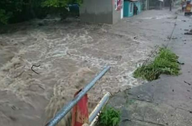 Estas fueron las imágenes que dejó el fuerte aguacero de hoy en Providencia.