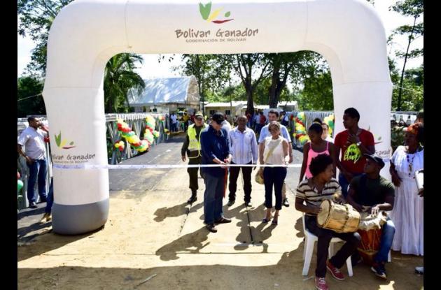 Inauguran puente en Mampuján, Bolívar