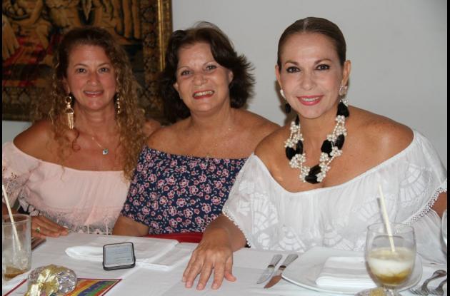 Chechi Benedetti, Merce Navas y Sonia Villa.