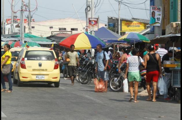 Vendedores informales del Mercado de Bazurto