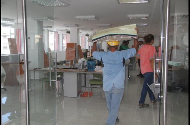 Ayer se instalaron en el edificio las Secretarías del Interior e Infraestructura.