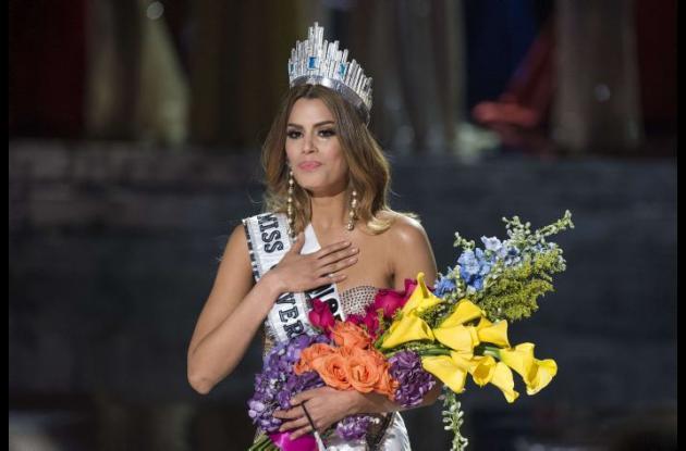 Ariadna Gutiérrez , señorita Colombia, alcanzó a ser coronada como Miss Universo.