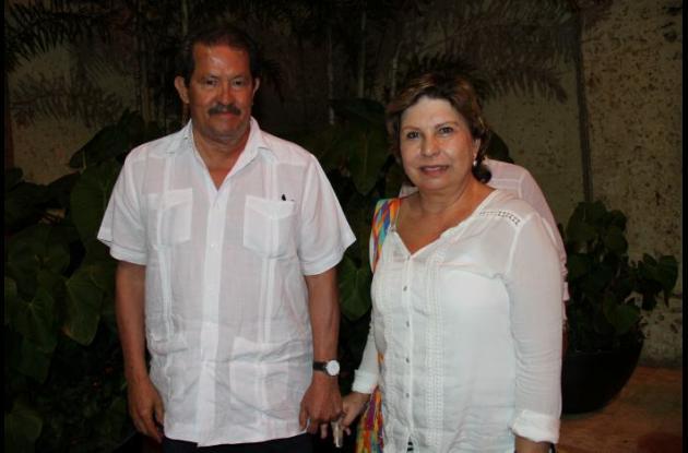 Angelino Garzón y Montserrat Muñoz.