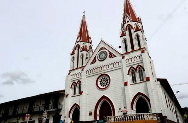 Catedral del municipio de La Ceja, Antioquia.