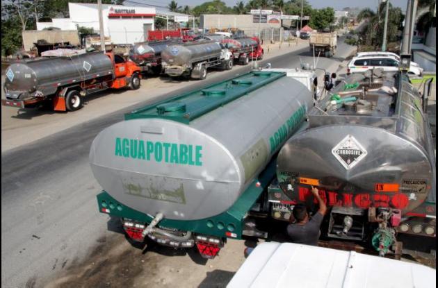 Llegaron los carrotanques dispuestos para la distribución de agua potable a las comunidades en donde hay desabastecimiento.