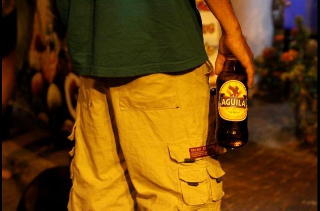 Los residentes de Getsemaní están en contra la ingesta de licor por parte de los visitantes y locales en la Plaza de La Trinidad.