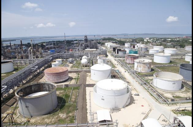 La refinería es investigada por supuestos sobrecostos en su ampliación.