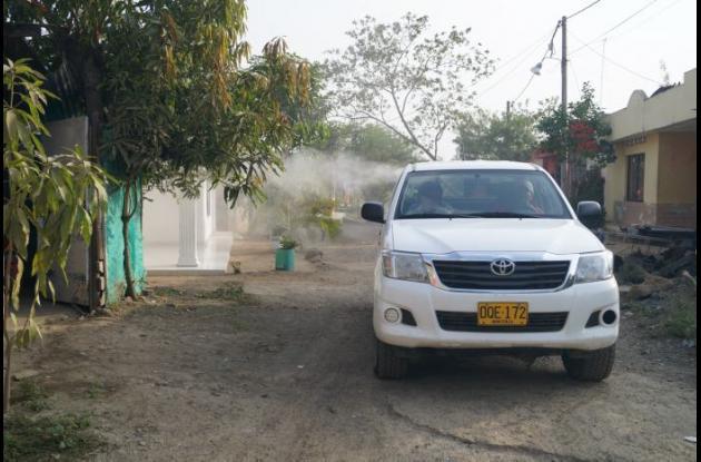 La Secretaría de Salud está fumigando las zonas álgidas para prevenir el zika.