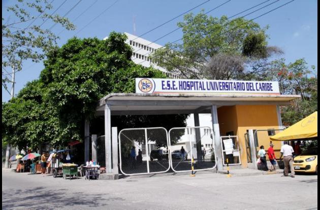 Francisco Manuel Tapias estaba internado en el Hospital Universitario del Caribe desde el 27 de febrero y murió ayer en la mañana, tras el balazo que recibió en un brazo. Tenía 65 años.