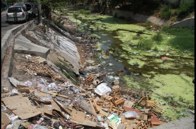El canal de san Pedro es uno de los que requiere urgente intervención.