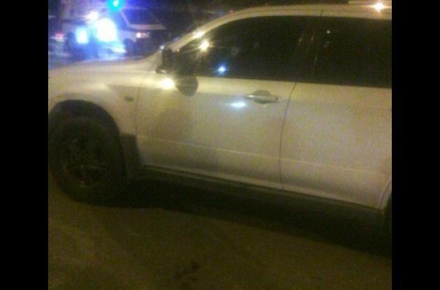 El mecánico Wilson Guerrero González fue baleado dentro de su carro. Lo llevaron en ambulancia a la Clínica El Bosque, pero allí llegó sin signos vitales. Ocurrió frente a la urbanización Santa Clara.