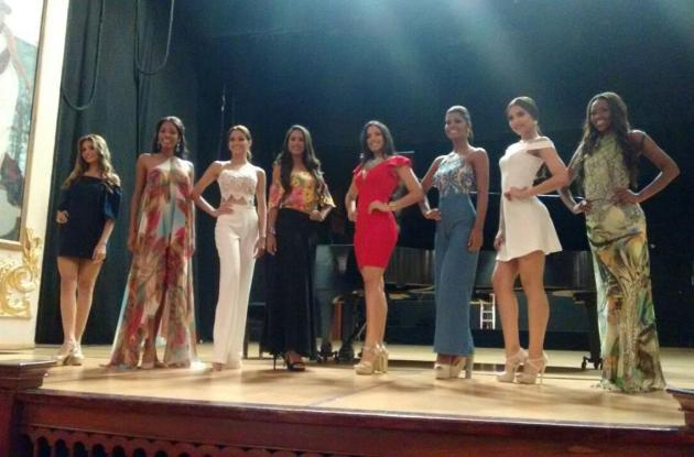 Grupo de aspirantes a Señorita Cartagena 2016 - 2017.