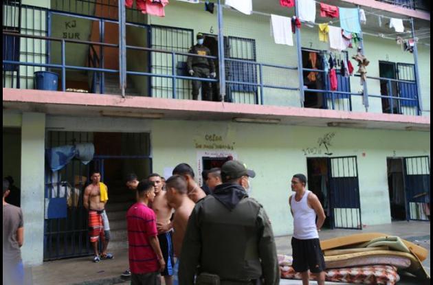 Actualmente existen 49 personas retenidas en calabozos de las estaciones de la Policía Nacional en Sucre.