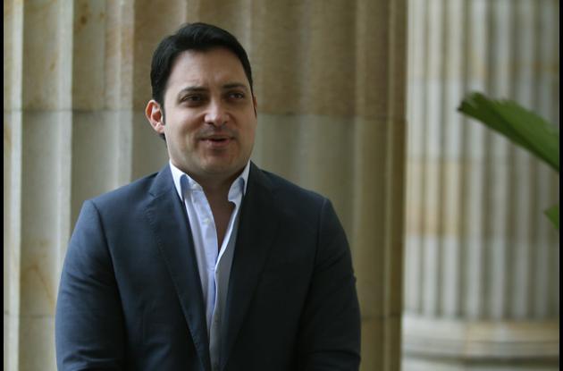 Carlos Fernando Mota.