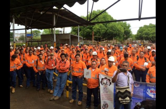 Trabajadores y directivos de Cerro Matoso no han acordado pliegos.