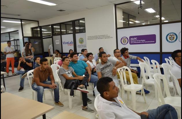 Espectadores del primer torneo de videojuegos en Cartagena