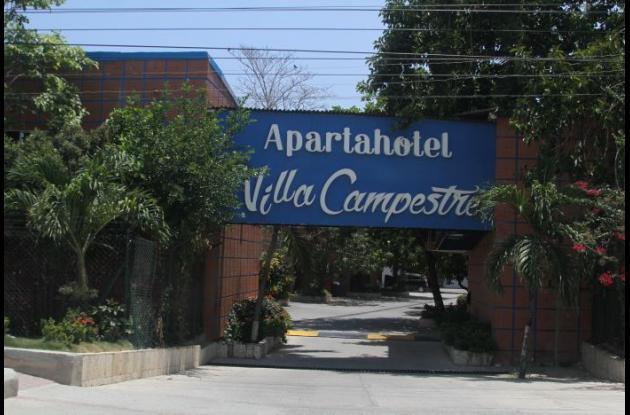 La muerte de la pareja ocurrió el sábado, dentro de un motel que está junto a la vía La Cordialidad, cerca de la bomba El Gallo. Murieron Luis Pérez Ortiz y su acompañante, de nombre Paola.