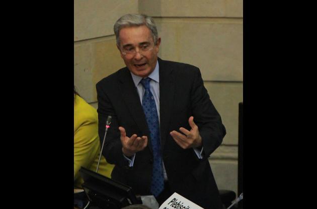 Álvaro Uribe, expresidente de Colombia y senador.