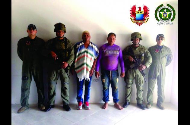 A alias 'Arnold' se le atribuye el asesinato de dos líderes comunitarios y cinco ganaderos de la región que se negaron a pagar extorsiones.