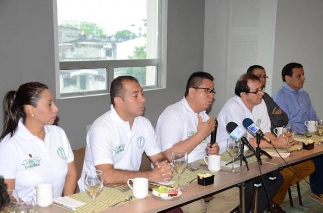 Natalia Figueroa Muñoz, vicerrectora administrativa; Isidro Suárez Padrón, vicerrector académico; Jairo Torres Oviedo, rector, y Jorge Rojas Rodríguez, asesor de paz de Unicórdoba.