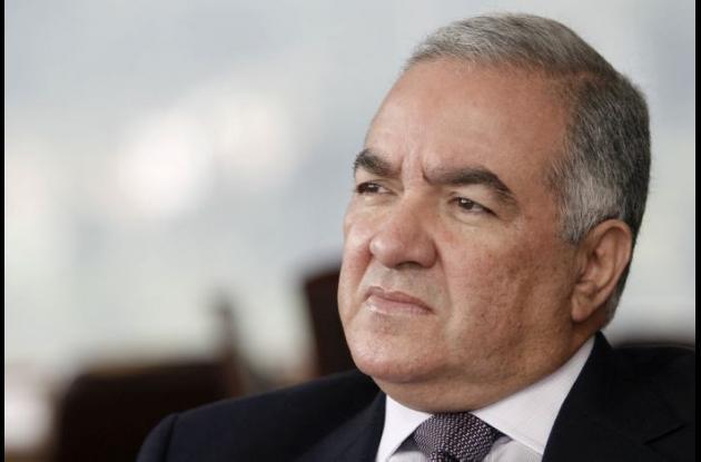 Edgardo Maya, contralor General.