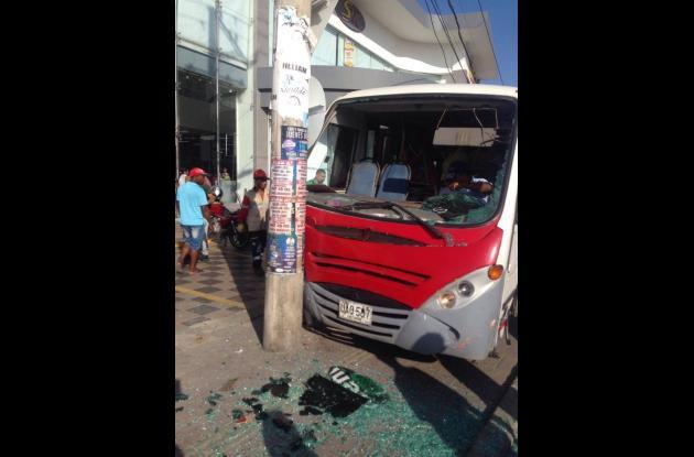 Así quedó el vehículo tras el impacto.