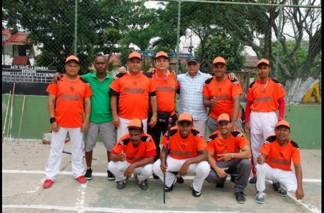Caníbales conquistó el título del VI torneo de Bate de Tapita Copa La Española.