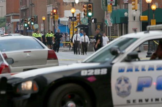 La Policía en Dallas se mantiene en alerta tras lo sucedido.