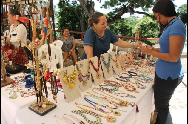 Artesanos expusieron sus productos durante la Feria del Sector Social y Solidario.