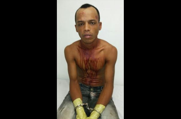 Rotsen Acuña Parra y Luis Betancourt Saavedra, capturados. Al primero le hallaron una pistola 9 milímetros.