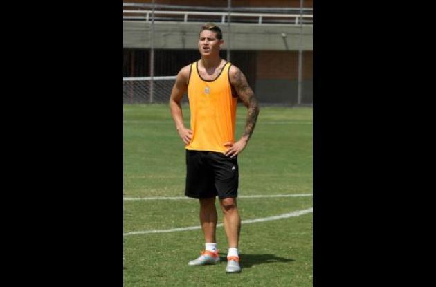 James Rodríguez de entrenamiento con Envigado F.C.