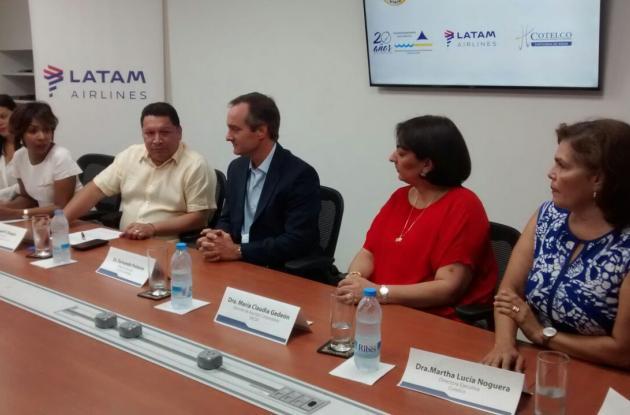 La rueda de prensa para el anuncio de esta nueva ruta se realizó en el aeropuerto internacional Rafael Núñez.